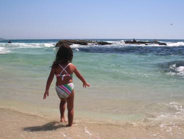 Dziecko na plaży.